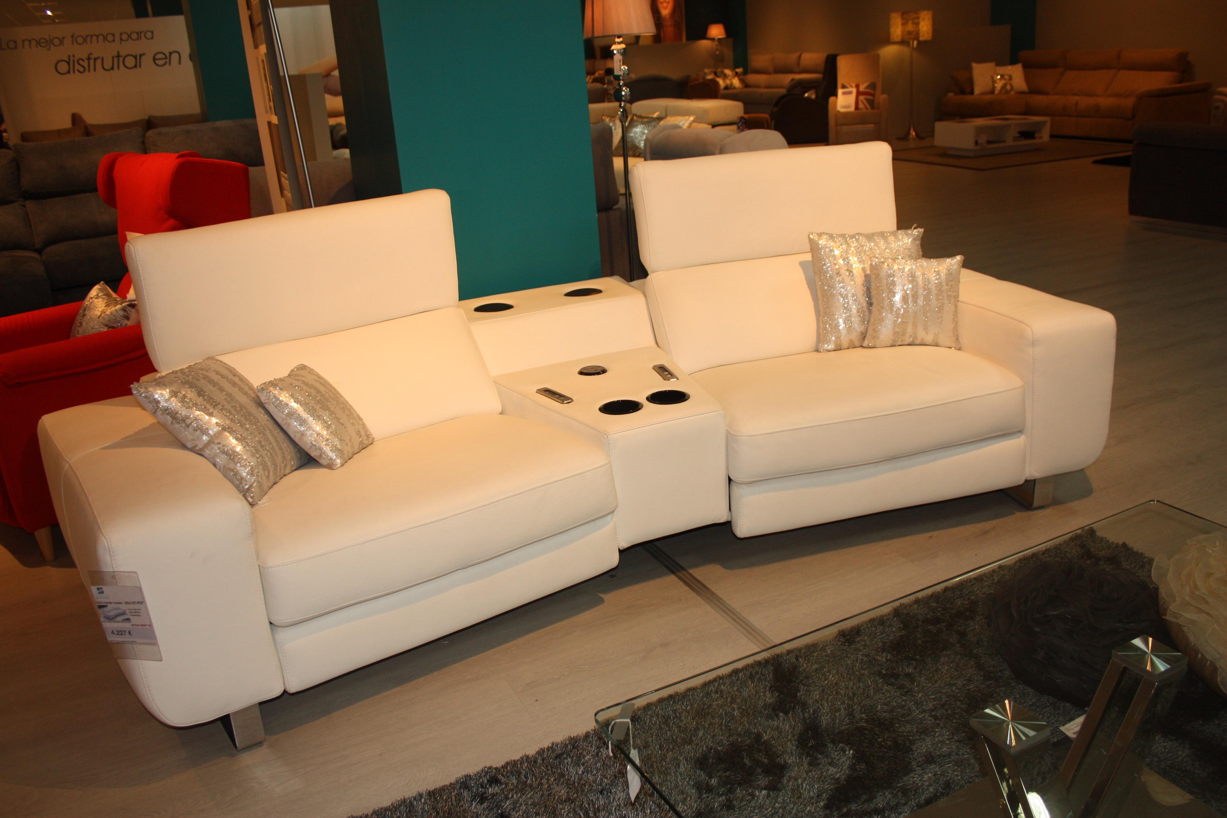 Sofa relax piel doble motor essenza sofas for Rebajas sofas de piel